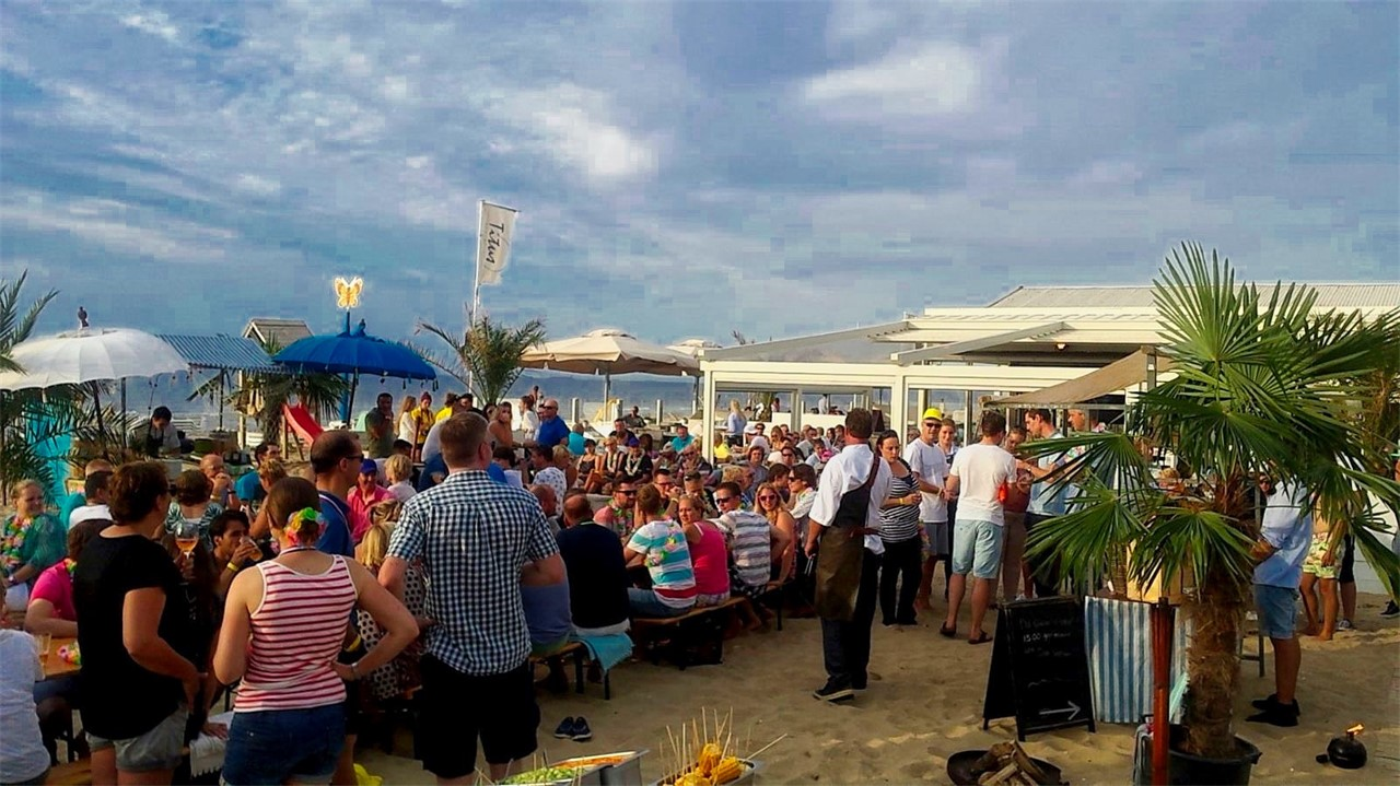 Beachclub Titus & Events At Sea - BBQ & Foodmarket