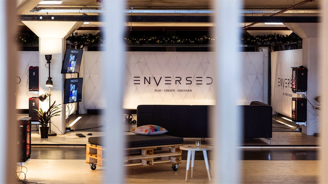 Enversed Virtual Reality Center -