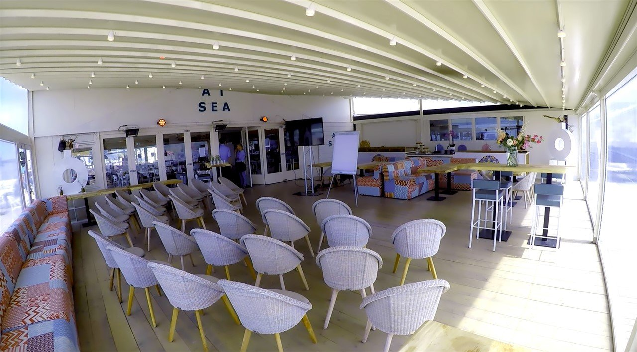 Beachclub Titus & Events At Sea -